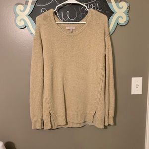 Good shimmery sweater!